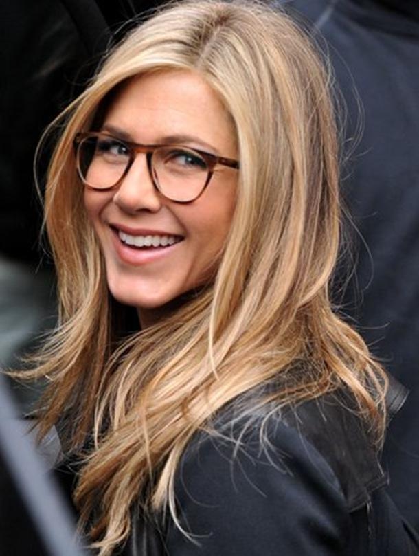 957d4f2d6 Superbonita de óculos